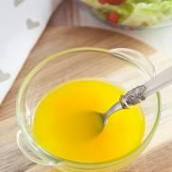 Jak zrobić sos sałatkowy? Przepis na klasyczny vinegret