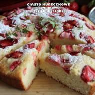 Ciasto kubeczkowe (jogurtowe, łyżką mieszane)