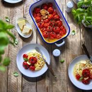 Pieczone pomidory z czosnkiem, miodem i białym winem