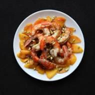 Krewetki z brzoskwiniami i pistacjami