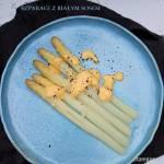 Szparagi po polsku z białym sosem