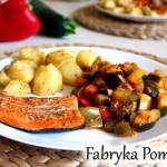 Pstrąg łososiowy z piekarnika z duszonymi warzywami a'la ratatuj
