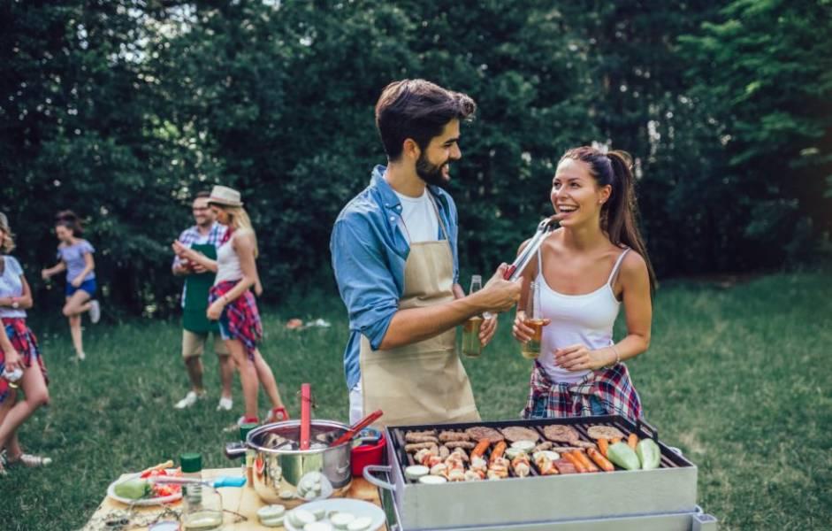 Tradycja grillowania a nowoczesne metody nadawania smaku grillowanymi mięsu