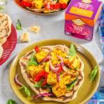Chlebki naan z grillowanymi warzywami i tofu