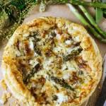 Tarta ze szparagami, gorgonzolą na cieście francuskim