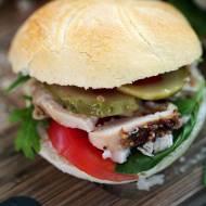 Domowy burger z kurczakiem pieczonym – przepis