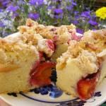 ciasto ucierane owocowe z piernikową kruszonką...