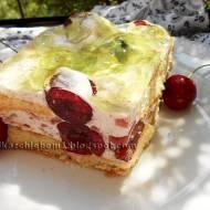 Ciasto biszkoptowe Czereśniowy Sad z czereśniami i kremem śmietanowym bez pieczenia