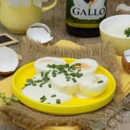 Jajka w sosie jogurtowo-musztardowym z oliwą