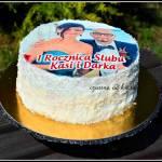 Rocznicowy tort truskawkowy