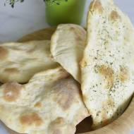 Chlebki naan (Naan breads) – tradycyjny dodatek kuchni hinduskiej
