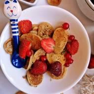 Szybkie mini pancakes z owocami