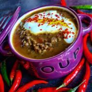 Zupa z czarnej soczewicy z pomidorami