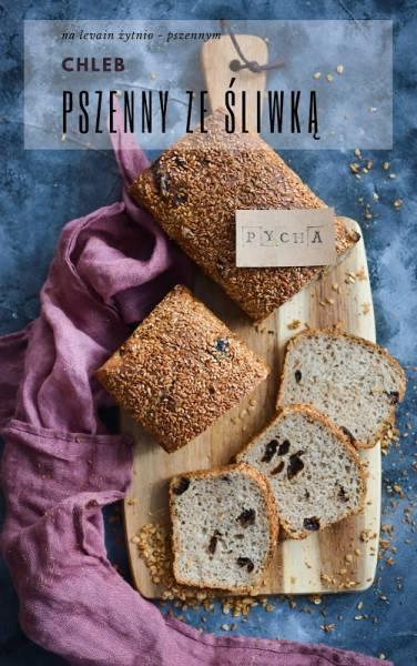 Chleb na zakwasie żytnim z suszonymi śliwkami.