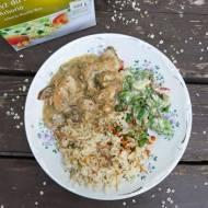 Duszona szynka z ryżem podana