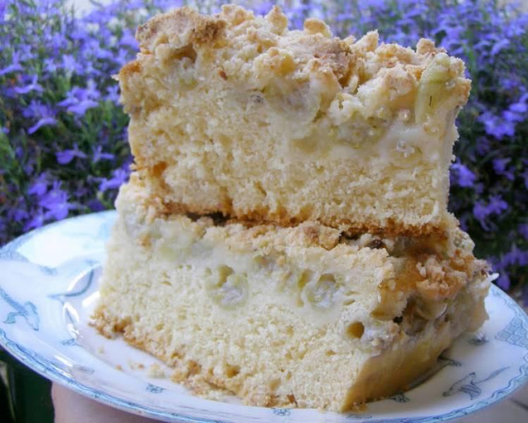pyszne ciasto drożdżowe z agrestem i kruszonką...