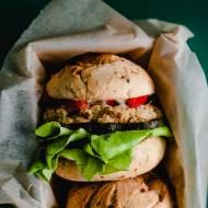 Wegetariańskie burgery z białej fasoli
