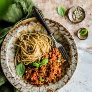 Spaghetti z wegańskim sosem bolognese