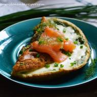 PROJEKT ŚNIADANIE: Mega puchaty omlet ziołowy z łososiem
