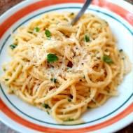 Spaghetti z wędzonym łososiem w kremie