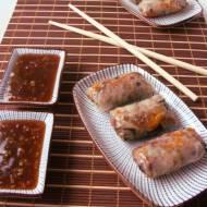 Sajgonki z mięsem drobiowym z gotowania bulionu