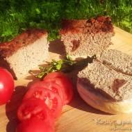 Domowy pasztet z szynki wieprzowej i indyka