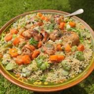 Pieczony kurczak z chrupiącym kuskusem pełnoziarnistym i warzywami