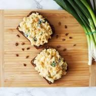 Pasta jajeczna z serem