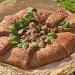 Pieczarki z warzywami w rustykalnym wydaniu - pizza pełnoziarnista