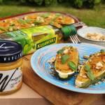 Przypływ smaku czyli łódeczki z cukinii nadziane pastą warzywną z marchewką, dynią i curry oraz kuskusem