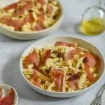 Makaron z szynką parmeńską i suszonymi pomidorami