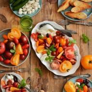 Pomidory z mozzarellą i burratą! Jedzenie w włoskim stylu!