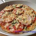 Pizza z patelni - na spodzie z cukinii