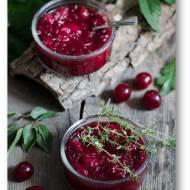 Pikantny wiśniowy chutney z tymiankiem
