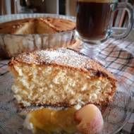 Ciasto ucierane z podpalanym masłem i konfiturami