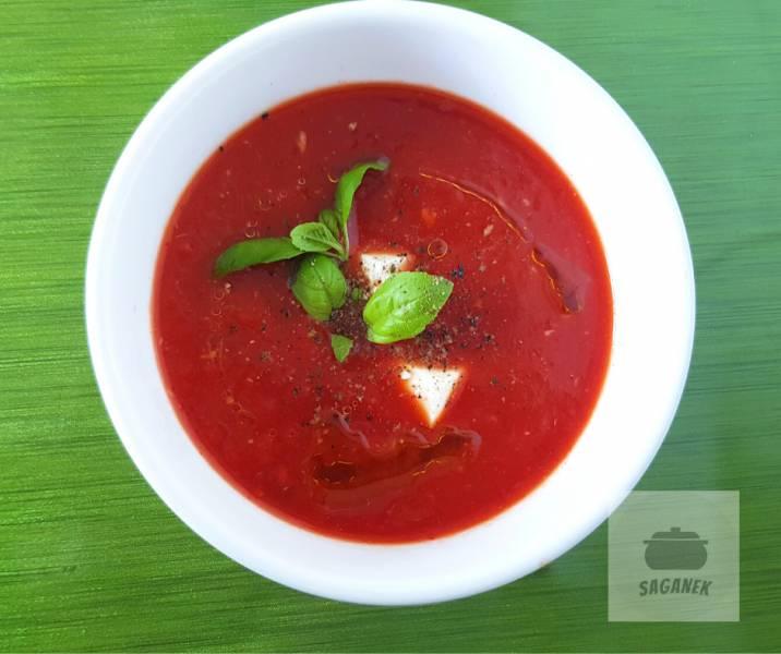 Prosta zupa krem z papryki