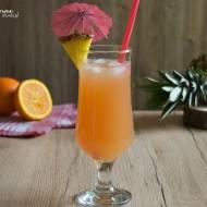 Zachód Słońca na Barbados - drink z malibu w kolorze zachodzącego słońca