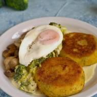 Kotleciki z gotowanych ziemniaków z sosem porowo-brokułowym