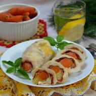 Roladki drobiowe zapiekane pod majonezem z młodymi marchewkami, salami i mozzarellą