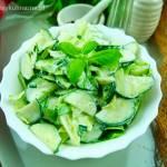 Surówka z sałaty i ogórka – szybka i smaczna