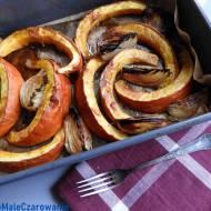 Pieczona dynia z chili i miodem