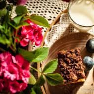 Drożdżowe ze śliwkami i kakaową kruszonką