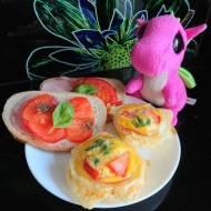 Muffiny jajeczne z serem i szynką
