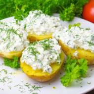 Ziemniaki w mundurkach z masłem i czosnkowym twarożkiem