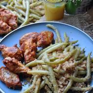 Pyszne skrzydełka z piekarnika marynowane w majonezie, musztardzie i ketchupie.