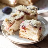 Ciasto drożdżowe ze śliwkami i kruszonką