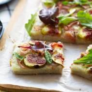 Pizza bezglutenowa z figami i szynką parmeńską
