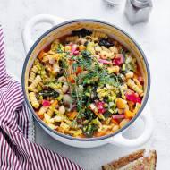 Zupa po włosku z fasolą i kapustą