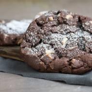 Ciastka pieguski z czekoladą i orzechami