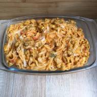 Makaron ryżowy z kurczakiem w pomidorowym sosie curry